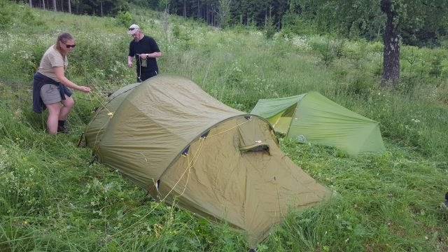 Allerede ti over åtte var teltene så godt som ferdig reist.