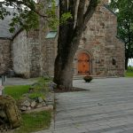 Vi ankom middelalderkirken Skedsmo kirke etter 40 minutter.